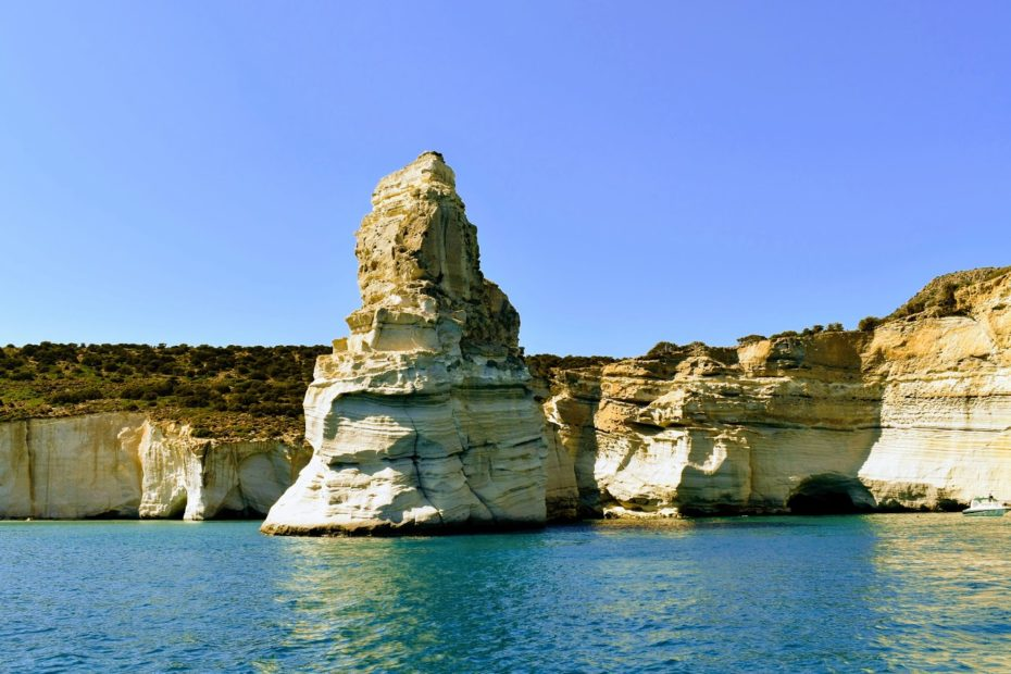 , The 5 Most Picturesque Greek Islands | internationalliving.com