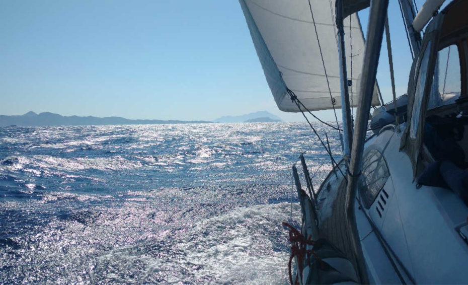 Meltemi winds charter in Greece
